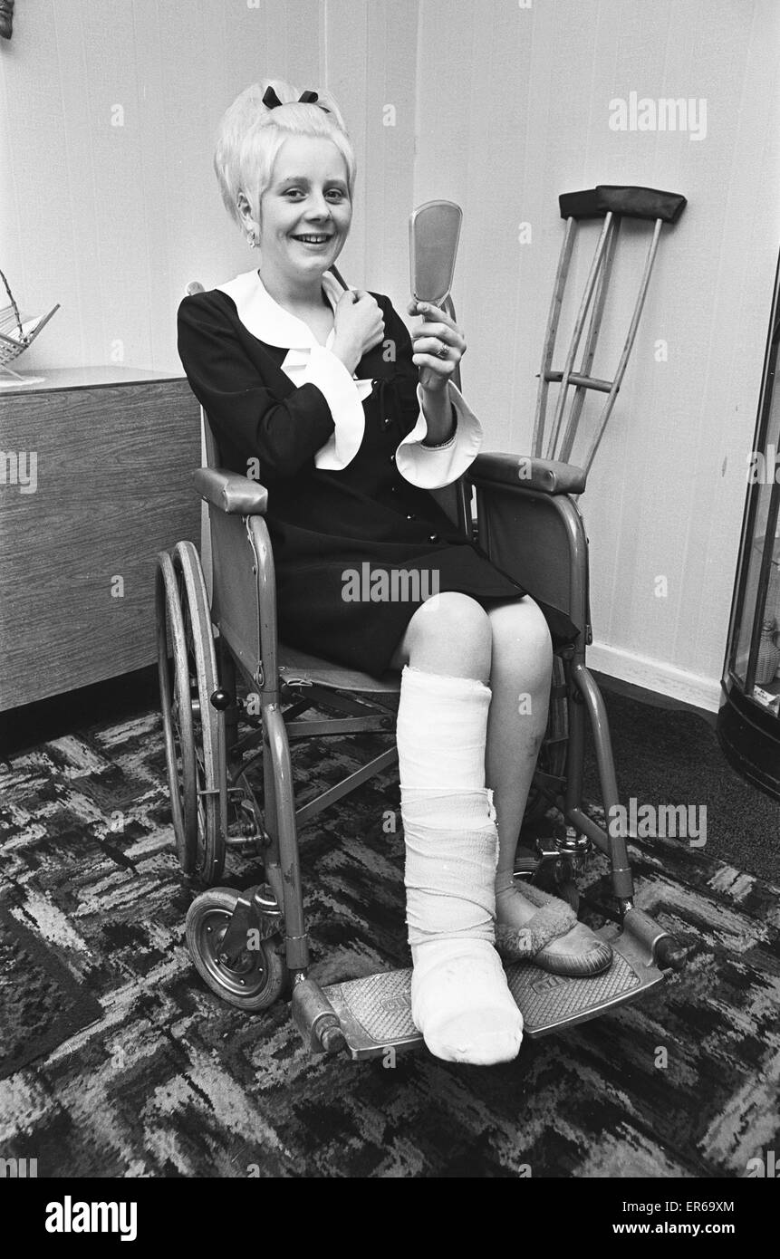 Conductress Janet Nicholls seen here getting ready for her wedding day, three weeks after being trapped in the wreckage - Stock Image