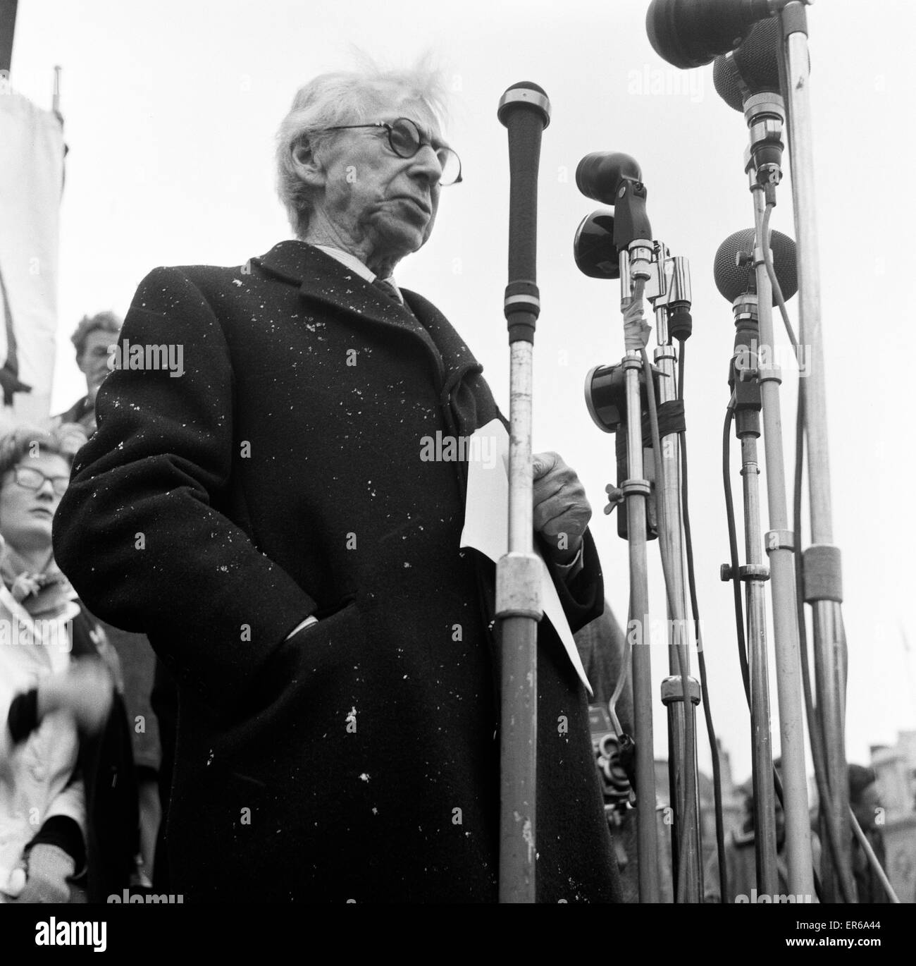 Veteran Philosopher Bertrand Russell braved today's Arctic weather to address a meeting to several thousand supporters Stock Photo