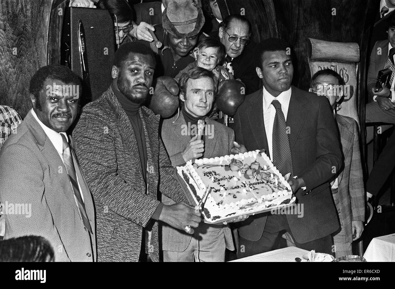 Boxers Party attended by fighters Joe Frazier (second left) and Muhammad Ali (right). 18th January 1974 - Stock Image