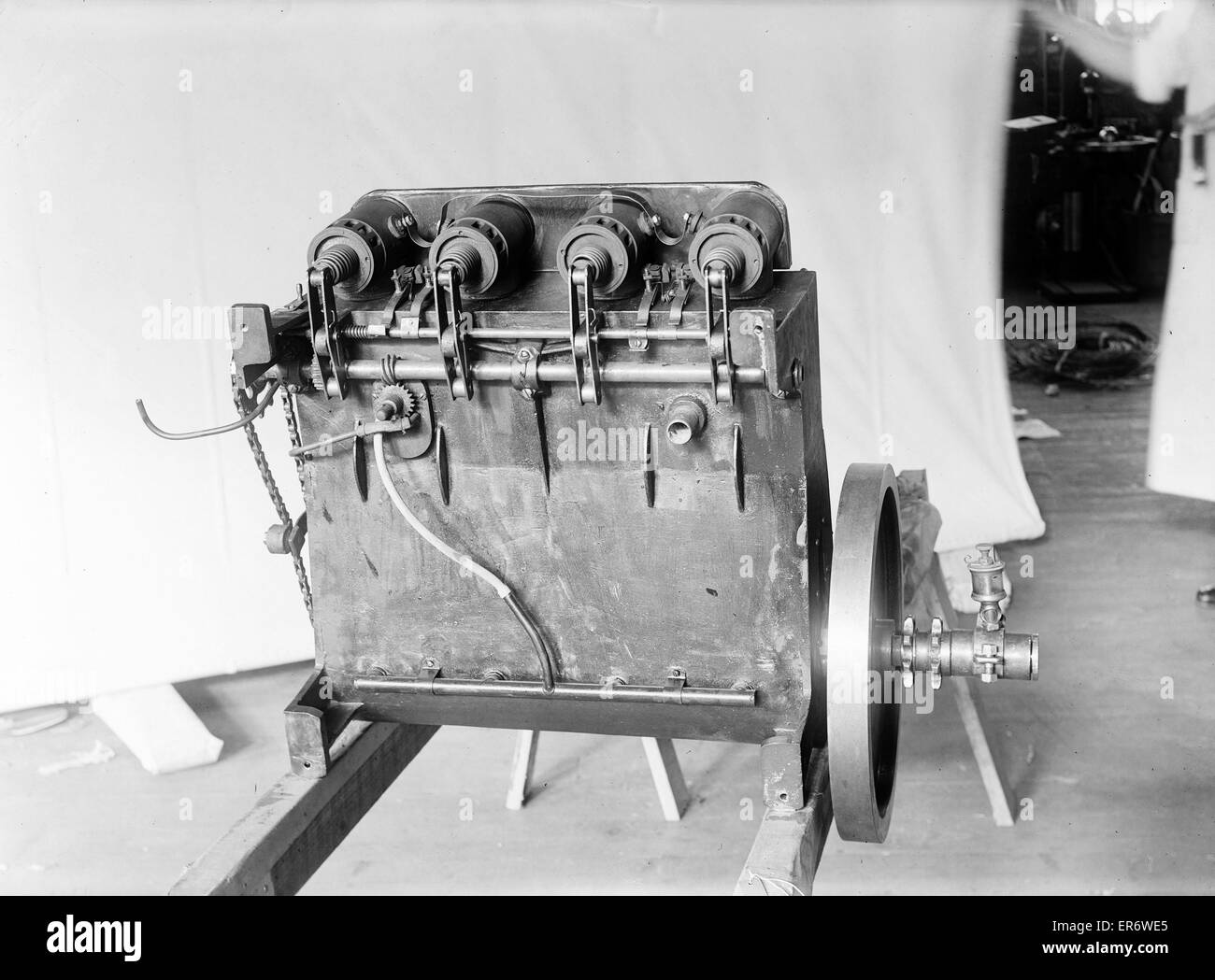 Underside view of the Wright brothers' reconstructed 1903 motor. Date 1928 Jan. 10. - Stock Image