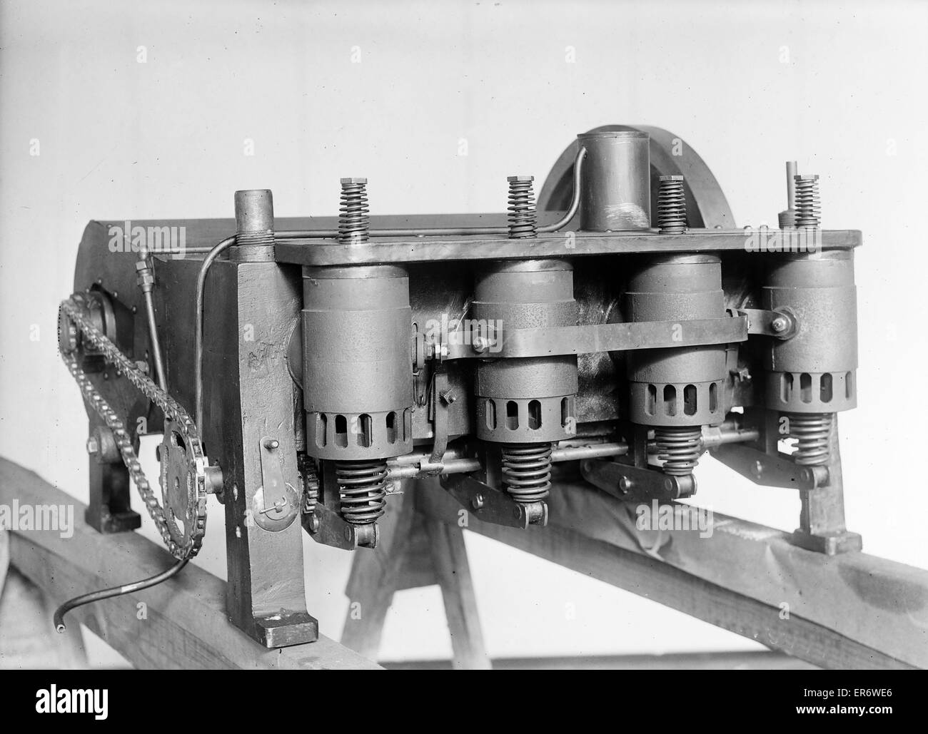 Left front side of the Wright brothers' reconstructed 1903 motor. Date 1928 Jan. 10. - Stock Image