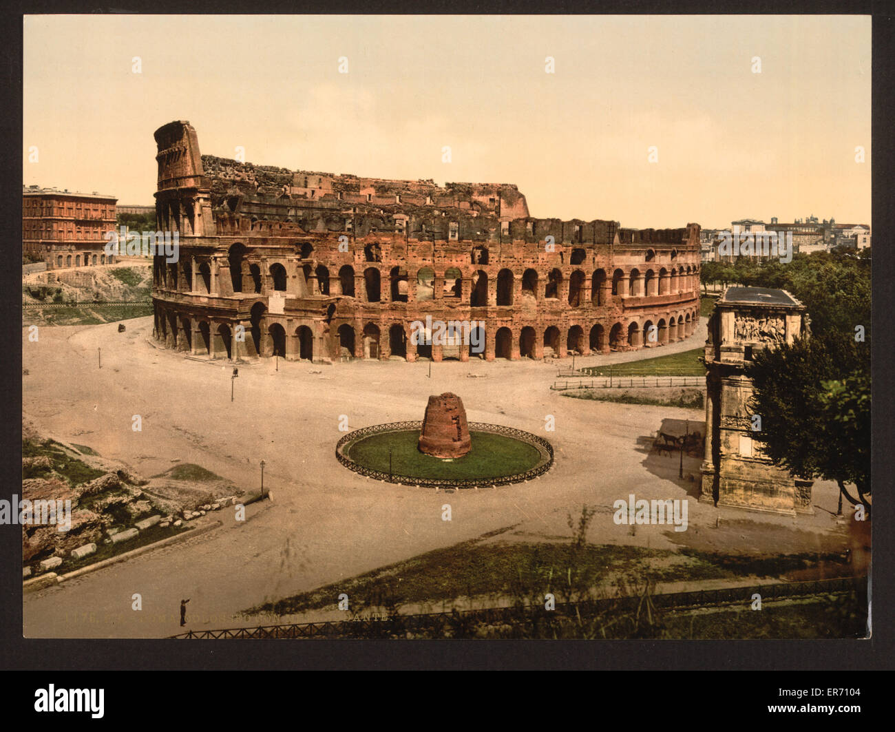 The Colisuem and Meta Sudans, Rome, Italy. Date between ca. 1890 and ca. 1900. - Stock Image