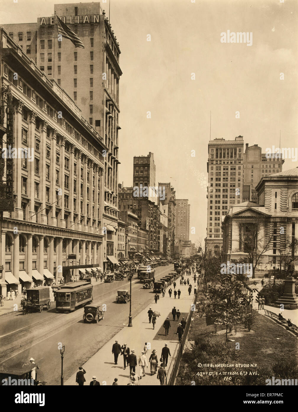 42nd St. east from 6th Ave. Date c1919. - Stock Image