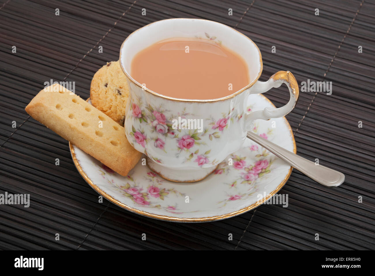 Cup of tea and shortbread biscuits Stock Photo: 83158572 - Alamy