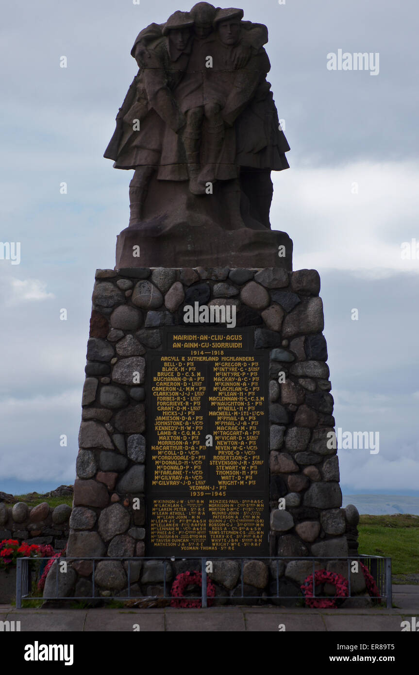 Highland regimental war memorial with Gaelic inscription by Alexander Carrick, 1923, Oban, Argyll and Bute, Scotland - Stock Image