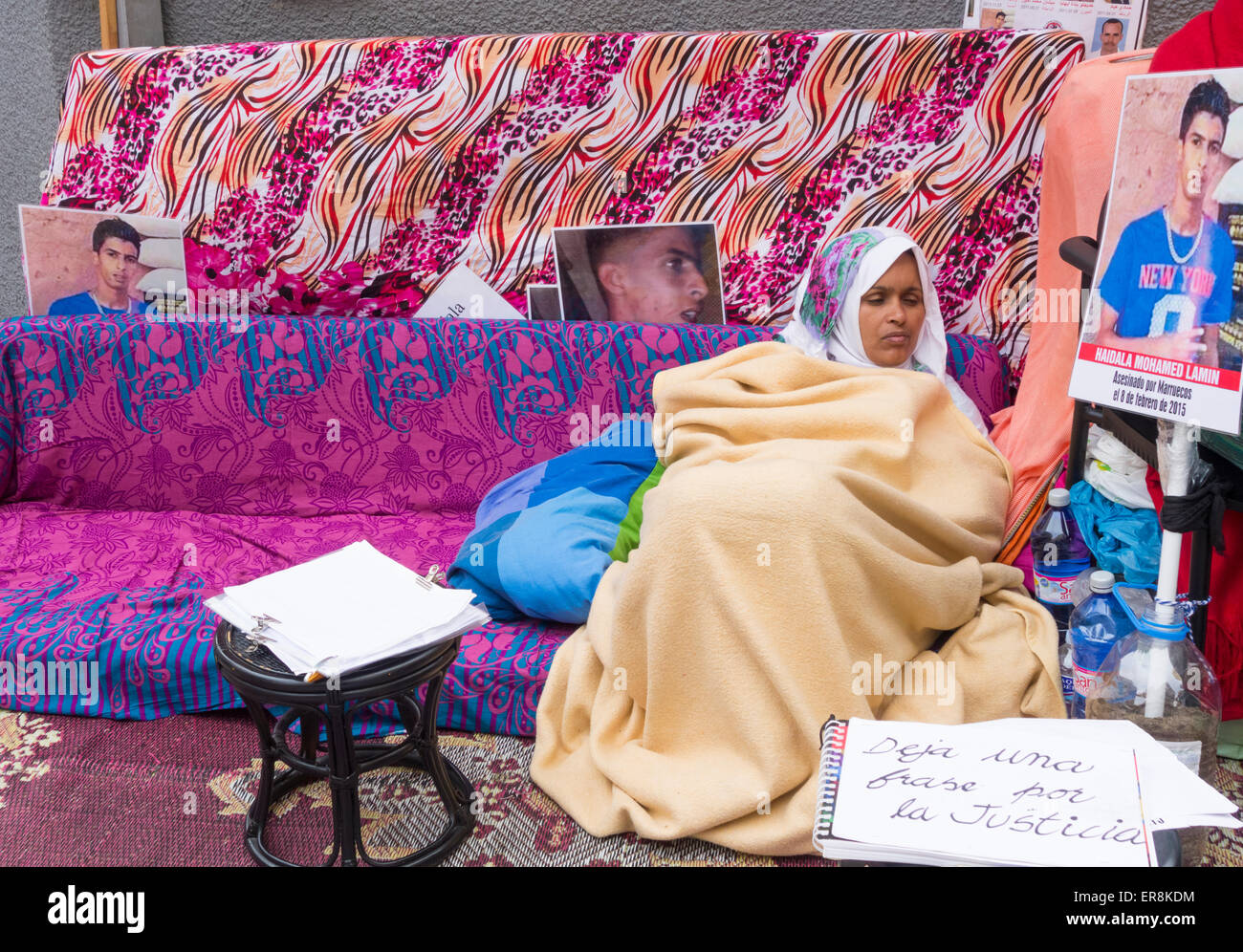 Canary Islands, Spain. 29th May, 2015. Takbar Haddi from Western Sahara starts her fifteenth day of an indefinate - Stock Image