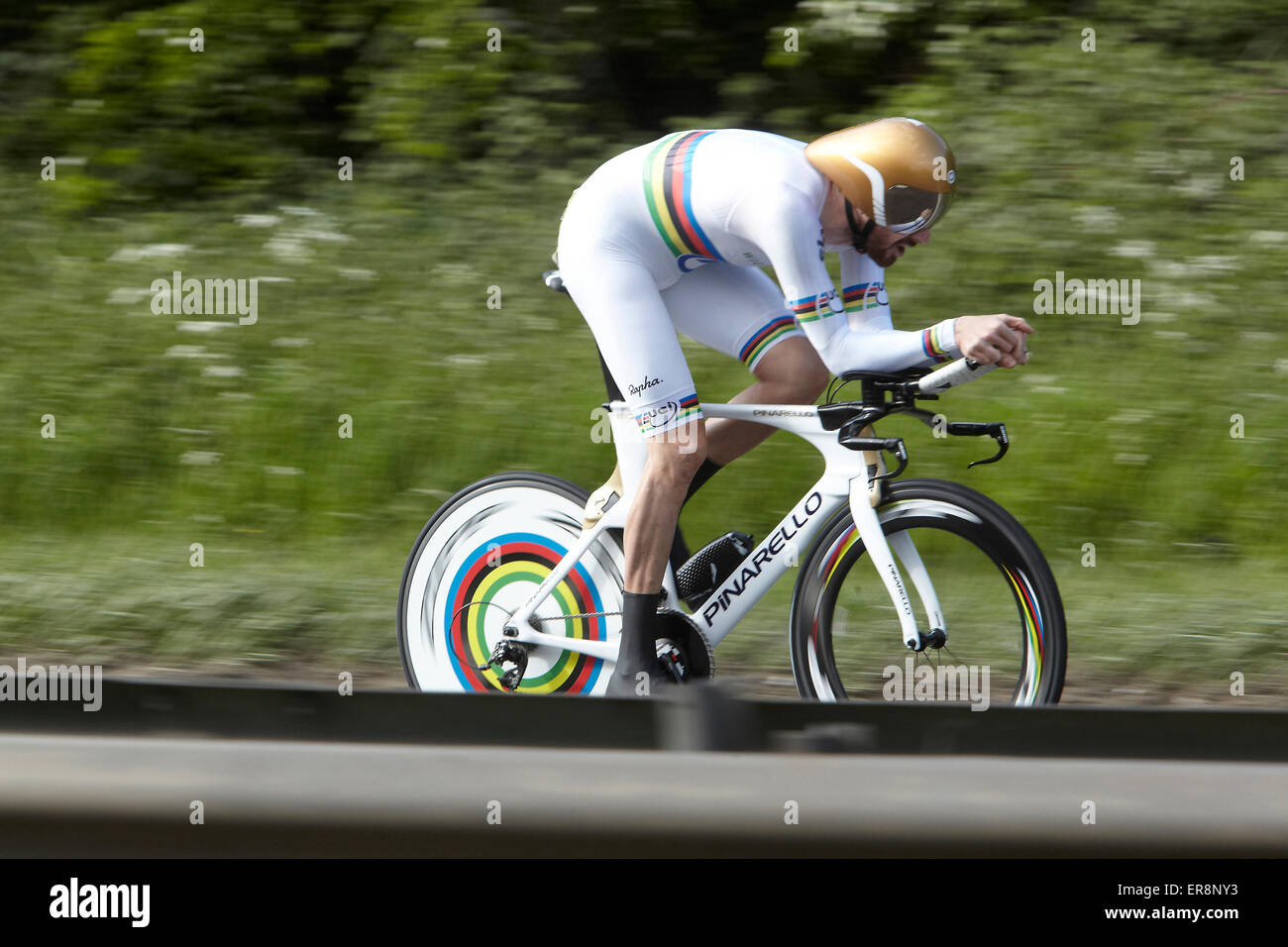 Bradley Wiggins taking part in the City Road Club 10 miles race in South Cave, East Yorkshire, in world champion - Stock Image