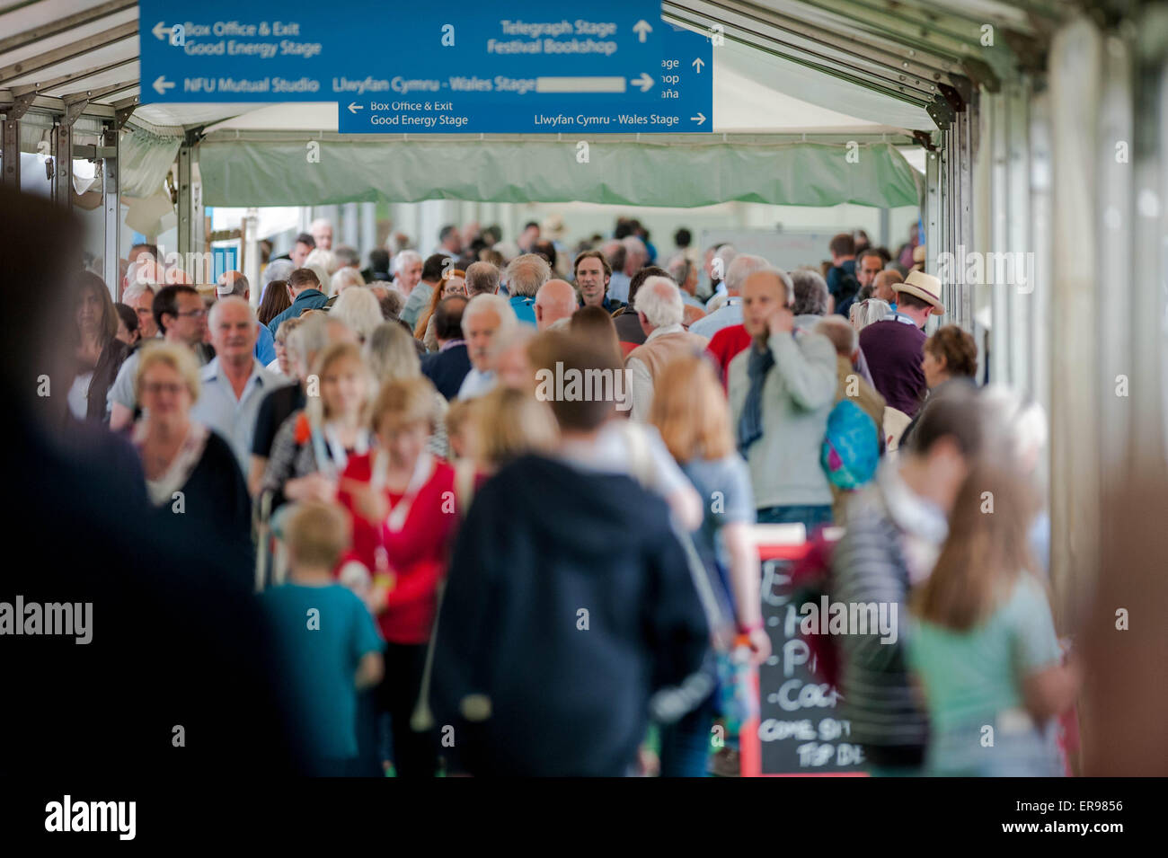 Hay on Wye, UK Wednesday 27 May 2015  Pictured: Midweek Crowds at Hay 2015  Re: The 2015 Hay Festival takes place - Stock Image
