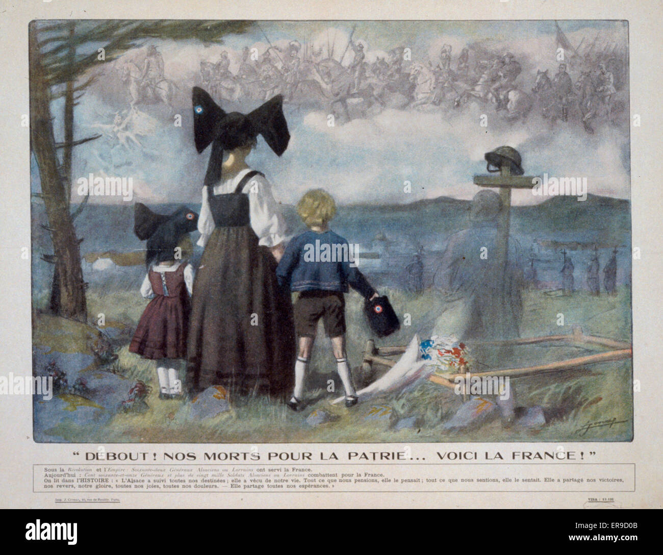Debout! Nos morts pour la patrievoici la France!. Rear view of an Alsatian woman and her two children. They are - Stock Image
