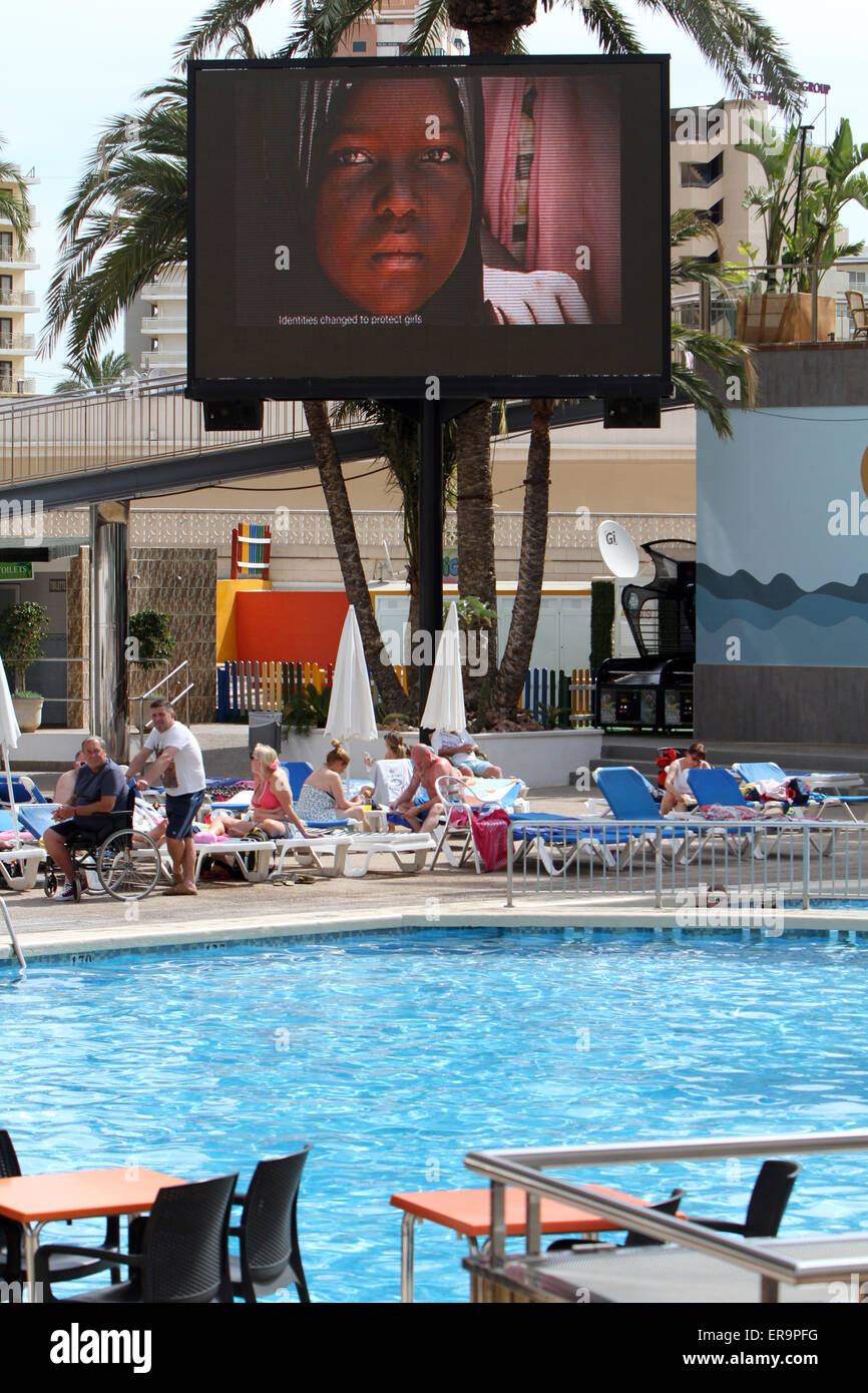 Big TV IN HOTEL SWIMMING POOL BENIDORM SPAIN - Stock Image