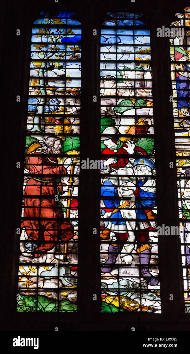 England, Cambridge.  King's College Chapel, 16th.-century Stained Glass Window, Jesus Meeting Two Disciples - Stock Image