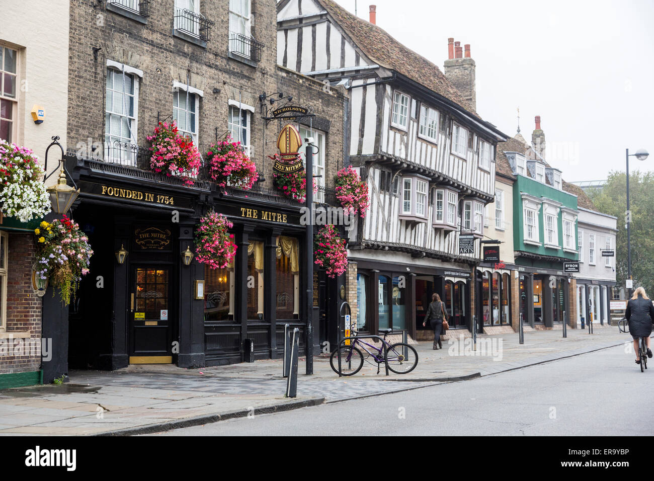 UK, England, Cambridge.  Bridge Street Pubs and Shops, Early Morning. - Stock Image