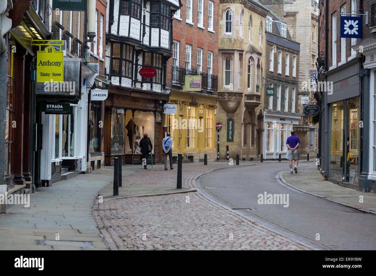 UK, England, Cambridge.  King's Parade Street Scene, Early Morning. - Stock Image