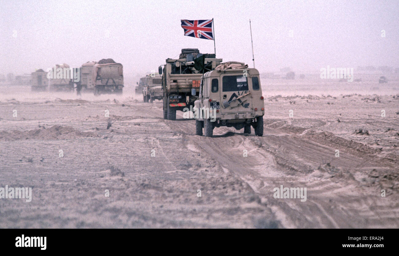 25th February 1991 A British column advances across the desert, west of Kuwait in southern Iraq during the ground - Stock Image