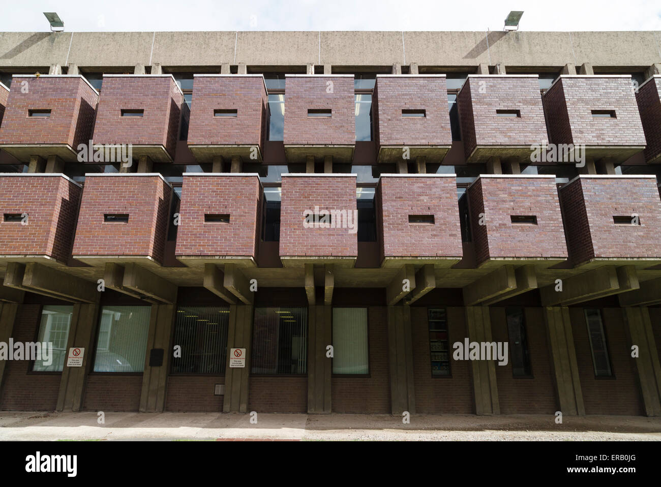 Cube shapes at the Sydney Jones Library at the University of Liverpool, designed by Sir Basil Spence, Glover & - Stock Image