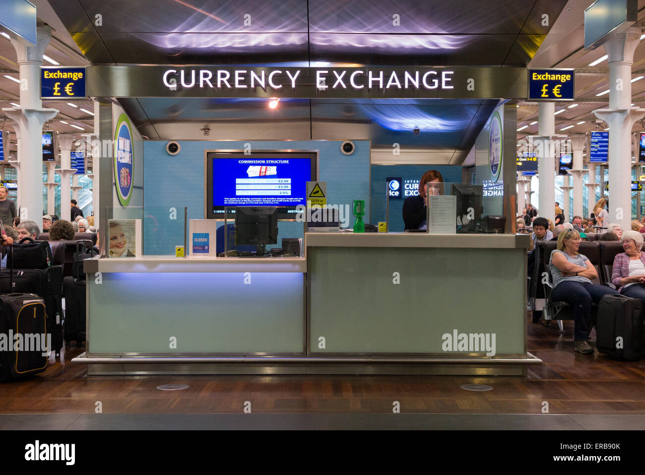 ice bureau de change international currency exchange in the stock photo 83227107 alamy. Black Bedroom Furniture Sets. Home Design Ideas