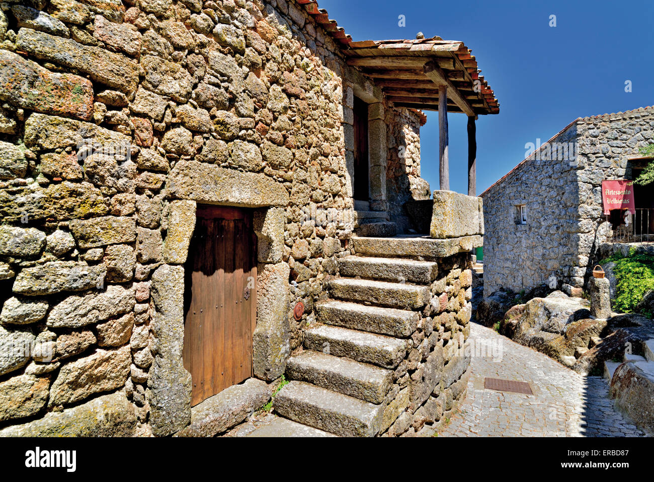 Portugal: Typical stone house in the historic village of Monsanto - Stock Image