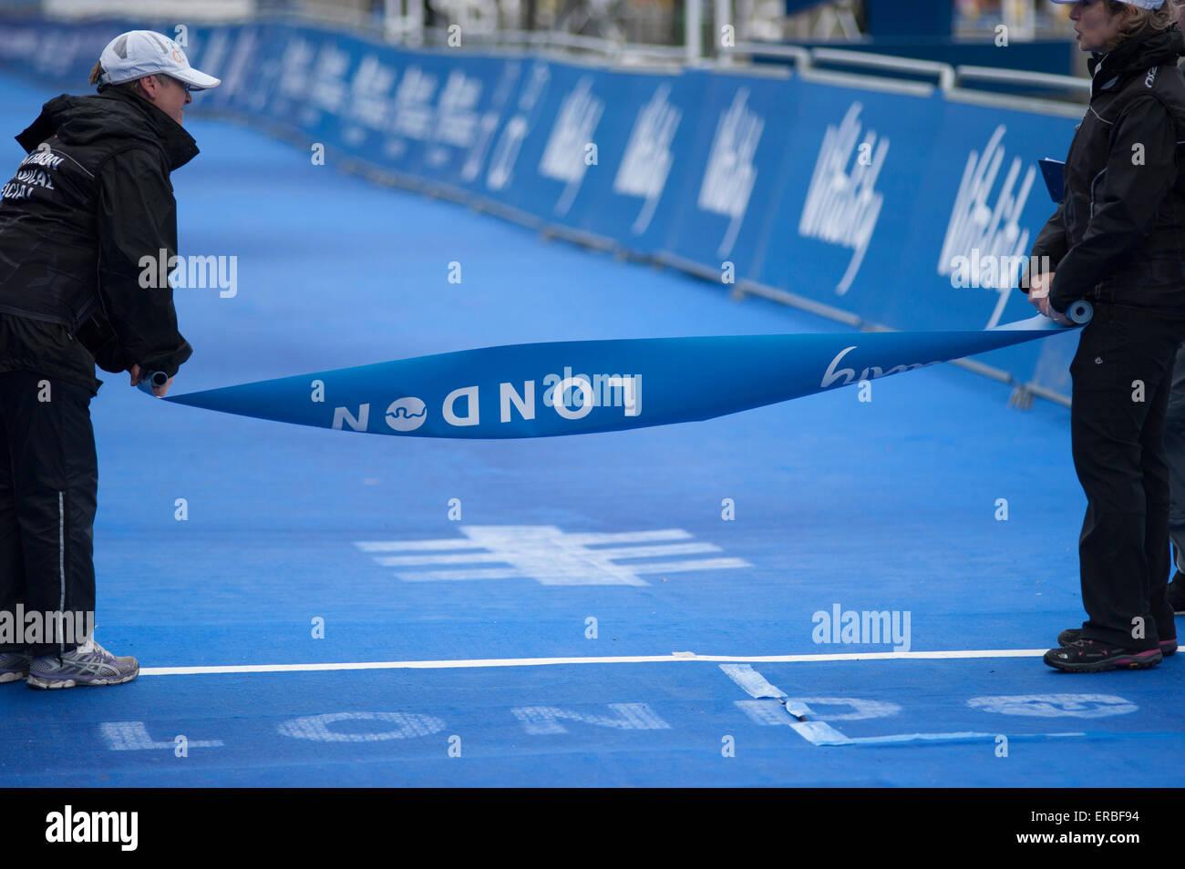 Hyde Park, London, UK. 31st May, 2015. Part of the ITU World Triathlon Series, the Elite Men's race includes a 750m - Stock Image