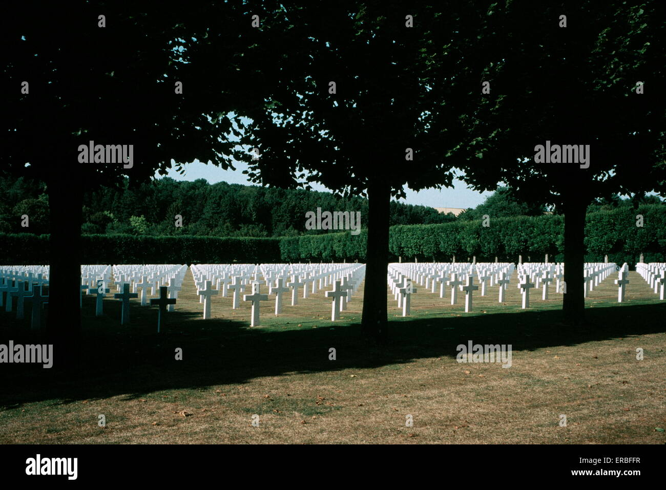AJAXNETPHOTO. MONTFAUCON, FRANCE. - WAR GRAVES - AMERICAN WWI AND WW II MILITARY CEMETERY IN THE ARGONNE REGION. - Stock Image