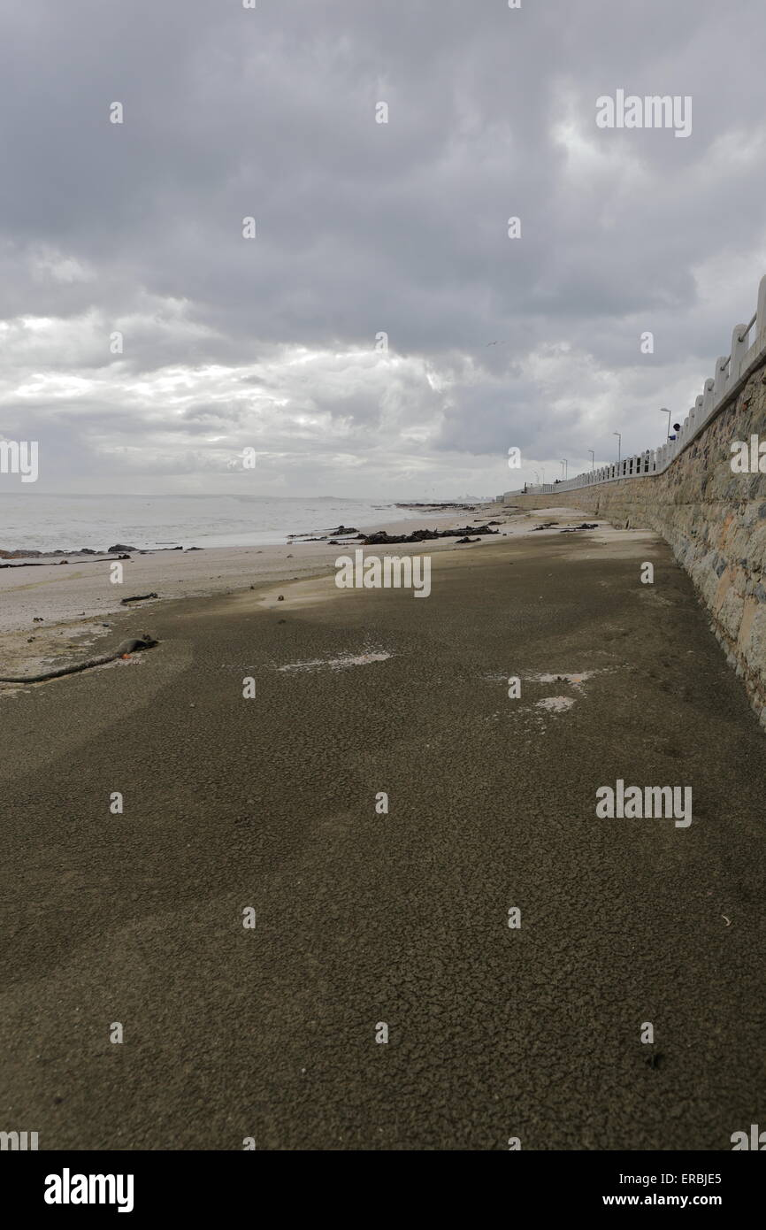 Beach in Seapoint on an overcast day, Atlantic seaboard, Cape Town - Stock Image