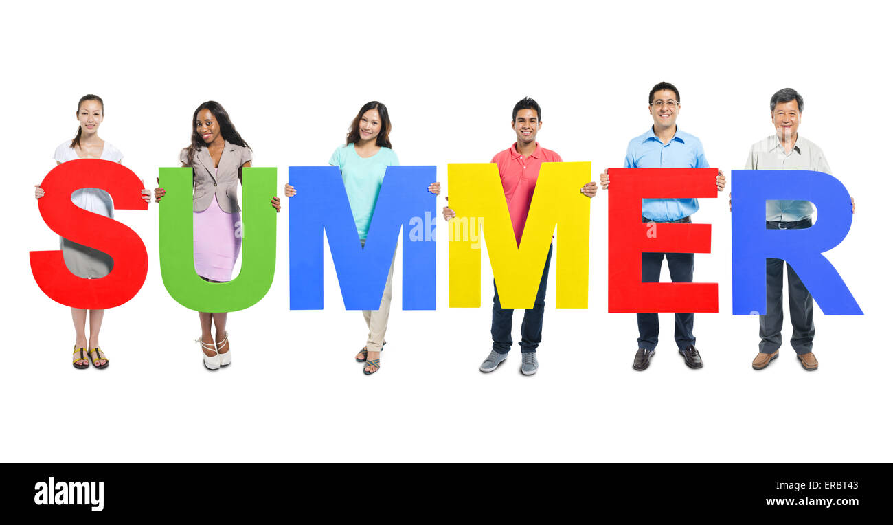 Multi-ethnic group of people holding 'SUMMER' letter - Stock Image