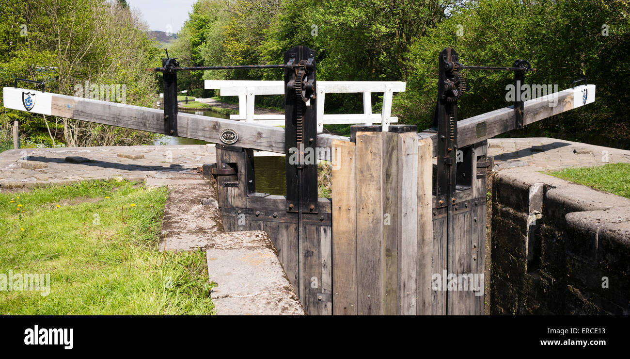 The lock gates (37 East) on the Leeds Liverpool Canal, at Marsden, that were replaced with the help of Blue Peter - Stock Image