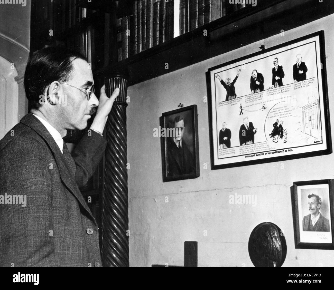 HAROLD LASKI (1893-1950) English political theorist about 1940 - Stock Image