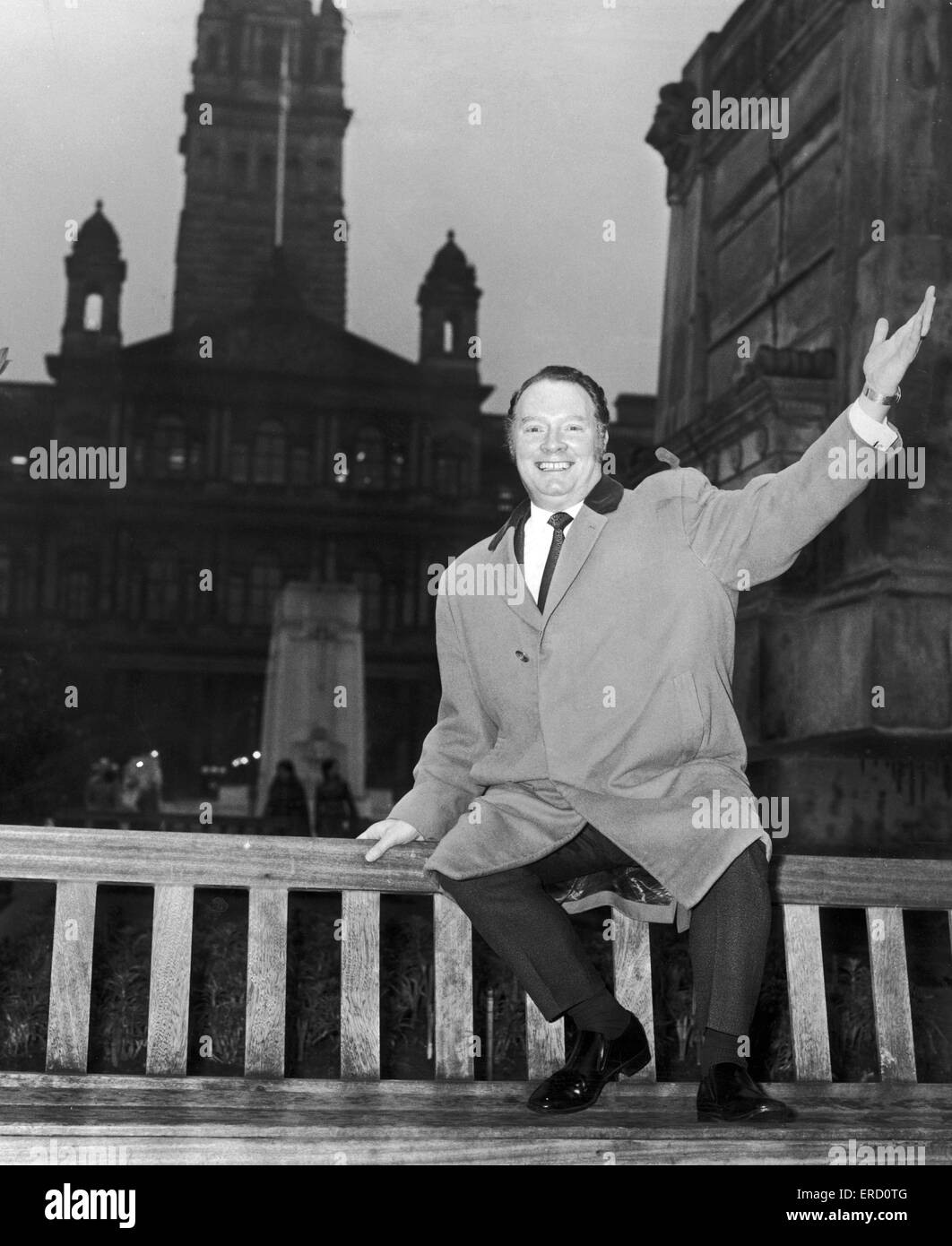 Glen Daly, Scotland's controversial comedian poses here on a bench in Glasgow. 7th October 1979. - Stock Image
