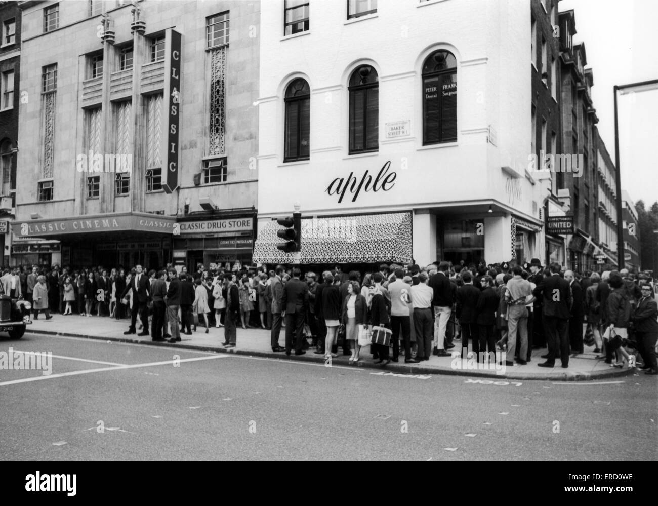 The Beatles, Apple Store, Baker Street, London, W1, 31st July 1968. For the 2nd day running, over £10,000 worth - Stock Image