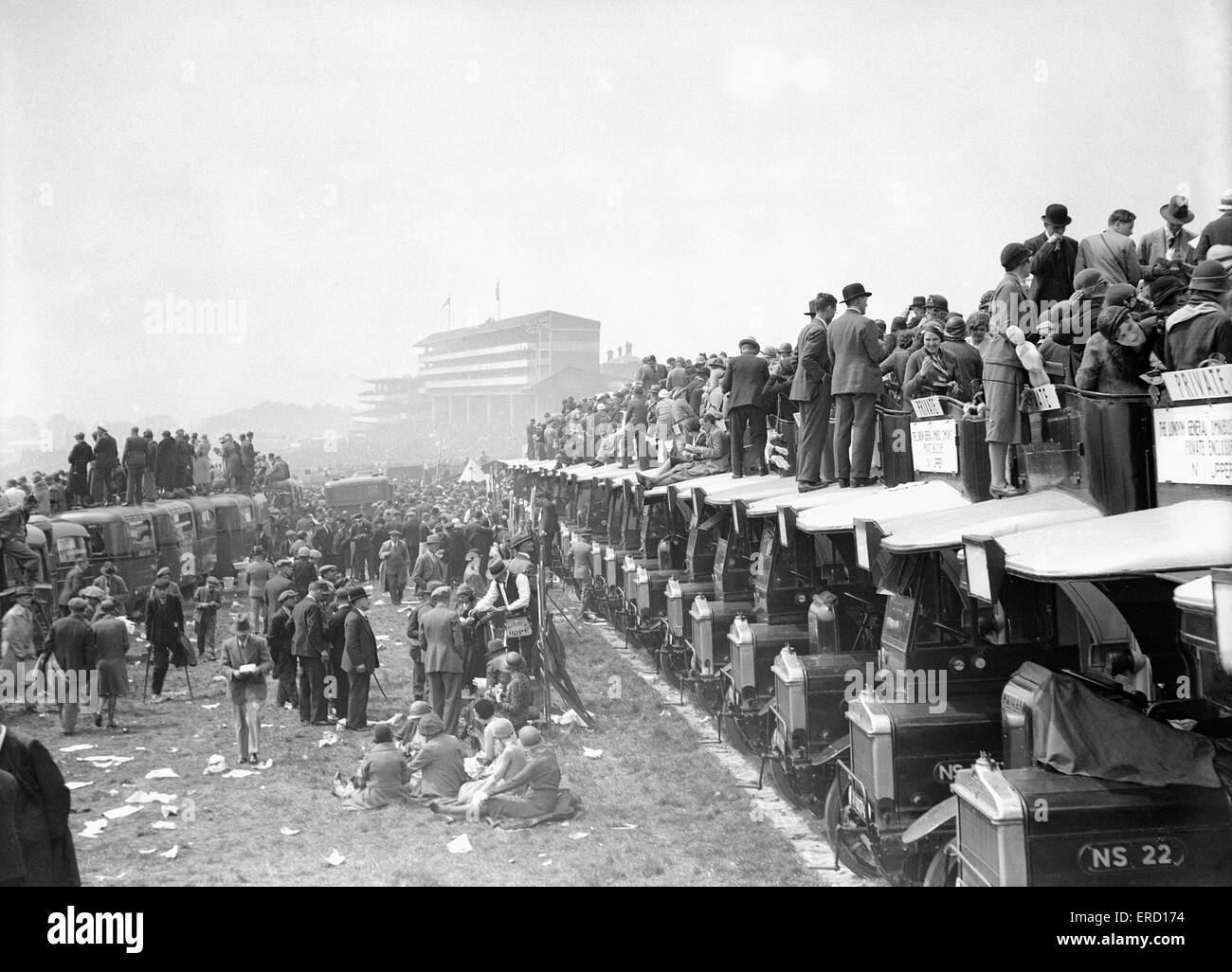 General scenes at the Epsom races, circa 1925. - Stock Image