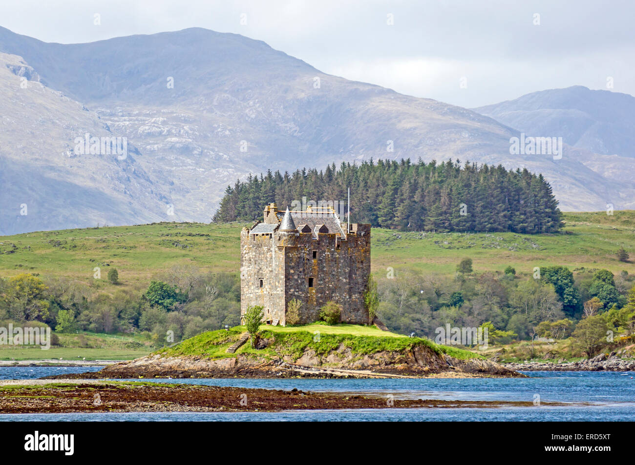 Castle Stalker in mouth of Loch Laich opposite Portnacroish near Port Appin north of Oban Argyll & Bute Scotland - Stock Image
