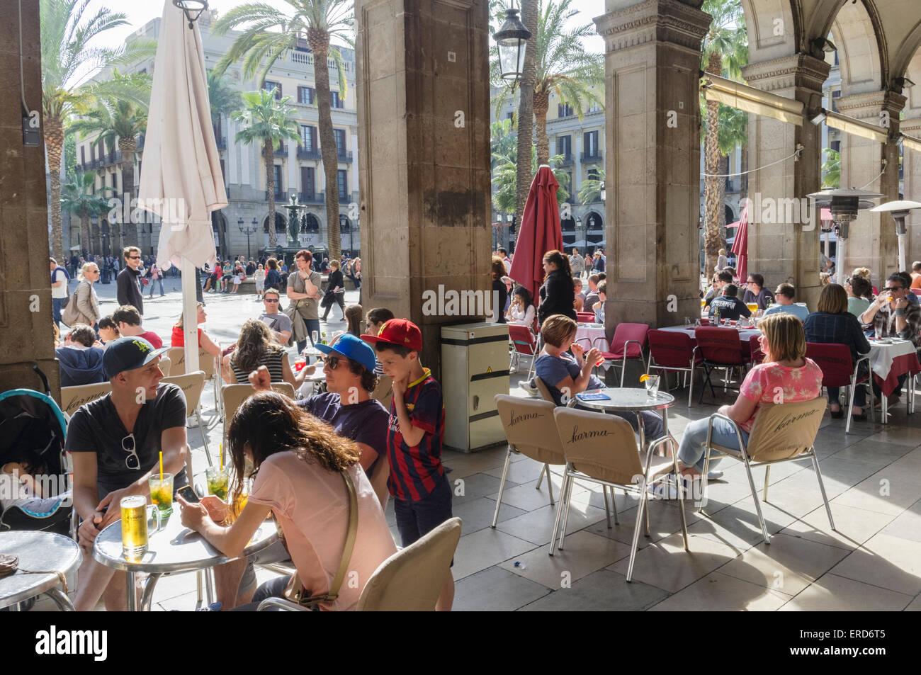 Restaurant at Placa Reial, Gothic quarter, Barcelona, Spain - Stock Image