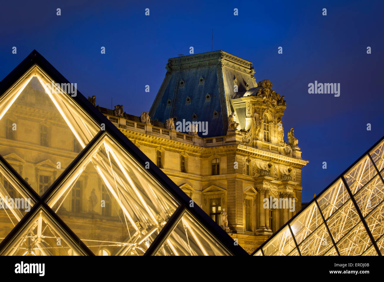 Evening in the courtyard of Musee du Louvre, Paris, France - Stock Image