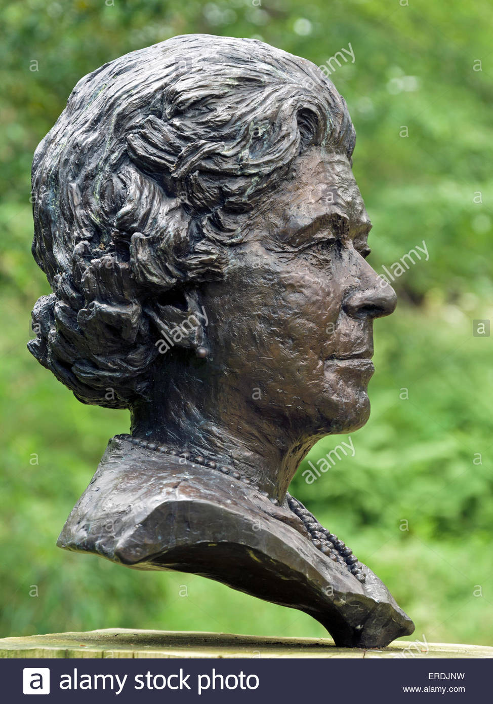 Bust sculpture of HM The Queen Elizabeth II by Angela Conner on display in Chatsworth Gardens, Derbyshire, England, UK. Stock Photo
