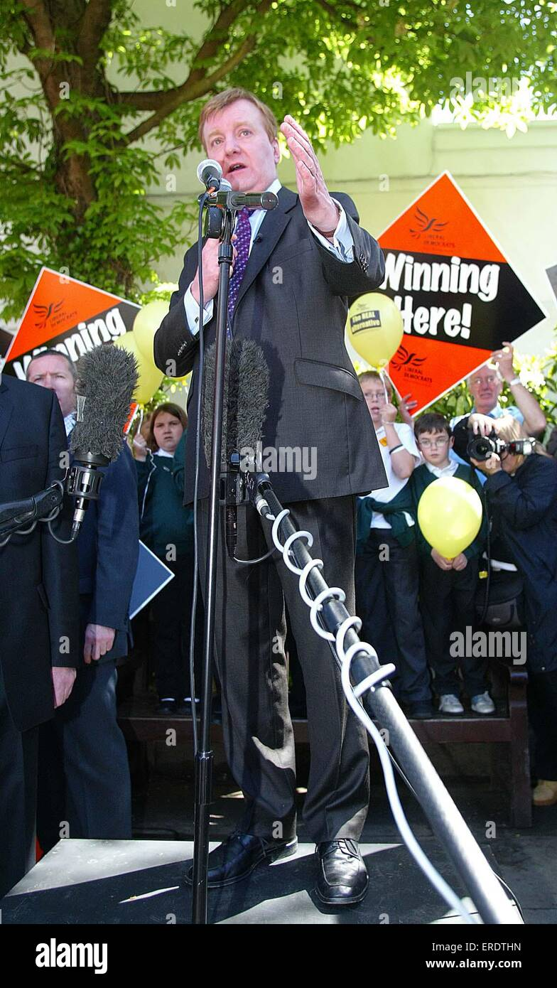 Liberal Democrat leader Charles Kennedy addresses a crowd in Hythe, Kent, Great Britain 20 Mar 2005 - Stock Image