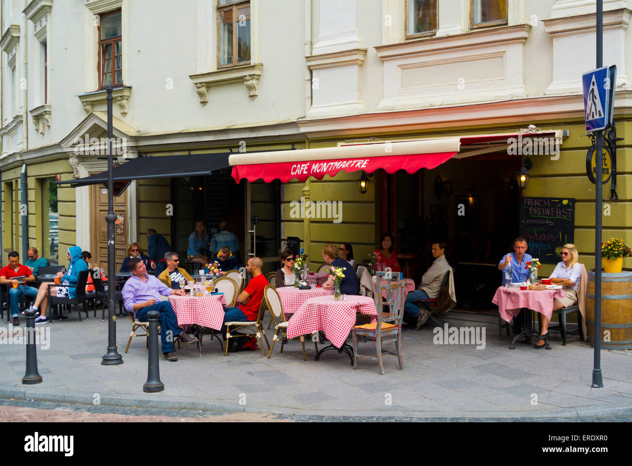 Cafe terraces, old town, Vilnius, Lithuania, Europe - Stock Image