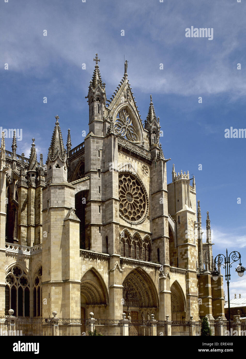 Spain. Leon. Gothic cathedral. 13th-14th centuries. Facade. - Stock Image