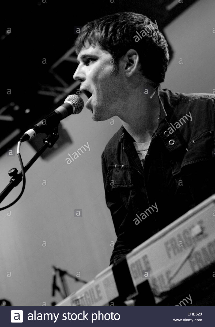 Roy Stride from Scouting For Girls performing at Carling Academy Bristol 06 April 2008 - Stock Image