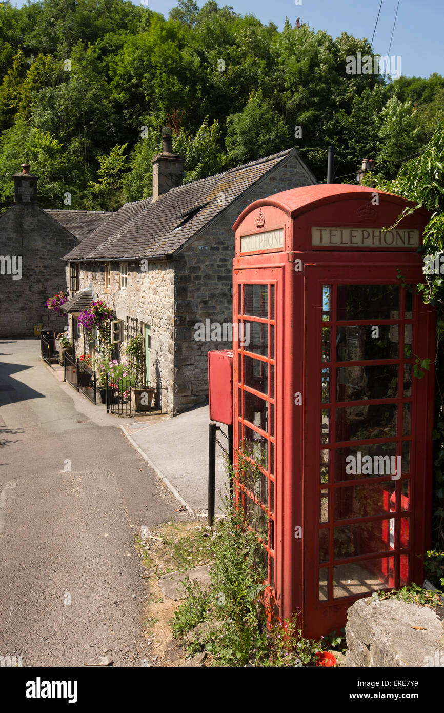 UK, England, Staffordshire, Dovedale, Milldale, old red village K6 phone box Stock Photo
