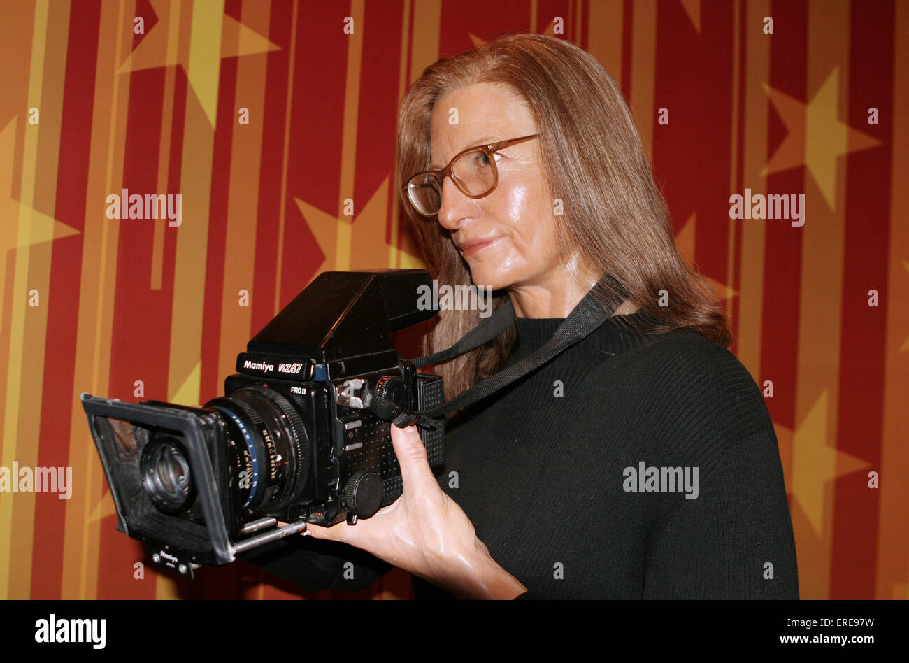 photographer annie leibovitz celebrity wax figure at madame stock photo 83293165 alamy. Black Bedroom Furniture Sets. Home Design Ideas