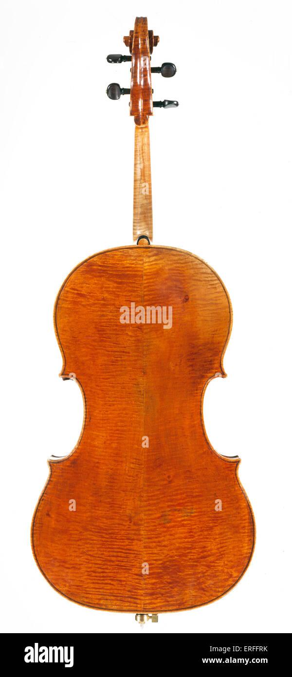 Cello by Francesco Ruggieri, Cremona 1695. Back. Credit: Clarissa Bruce/Royal Academy Of Music - Stock Image