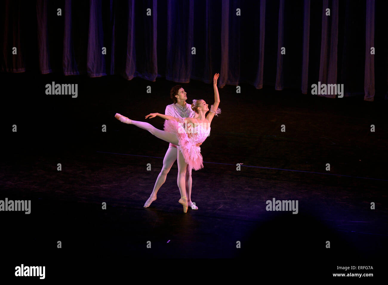 Ballet dancers against curtain backdrop from Birmingham Royal Ballet - Wales Millennium Centre opening night - Stock Image