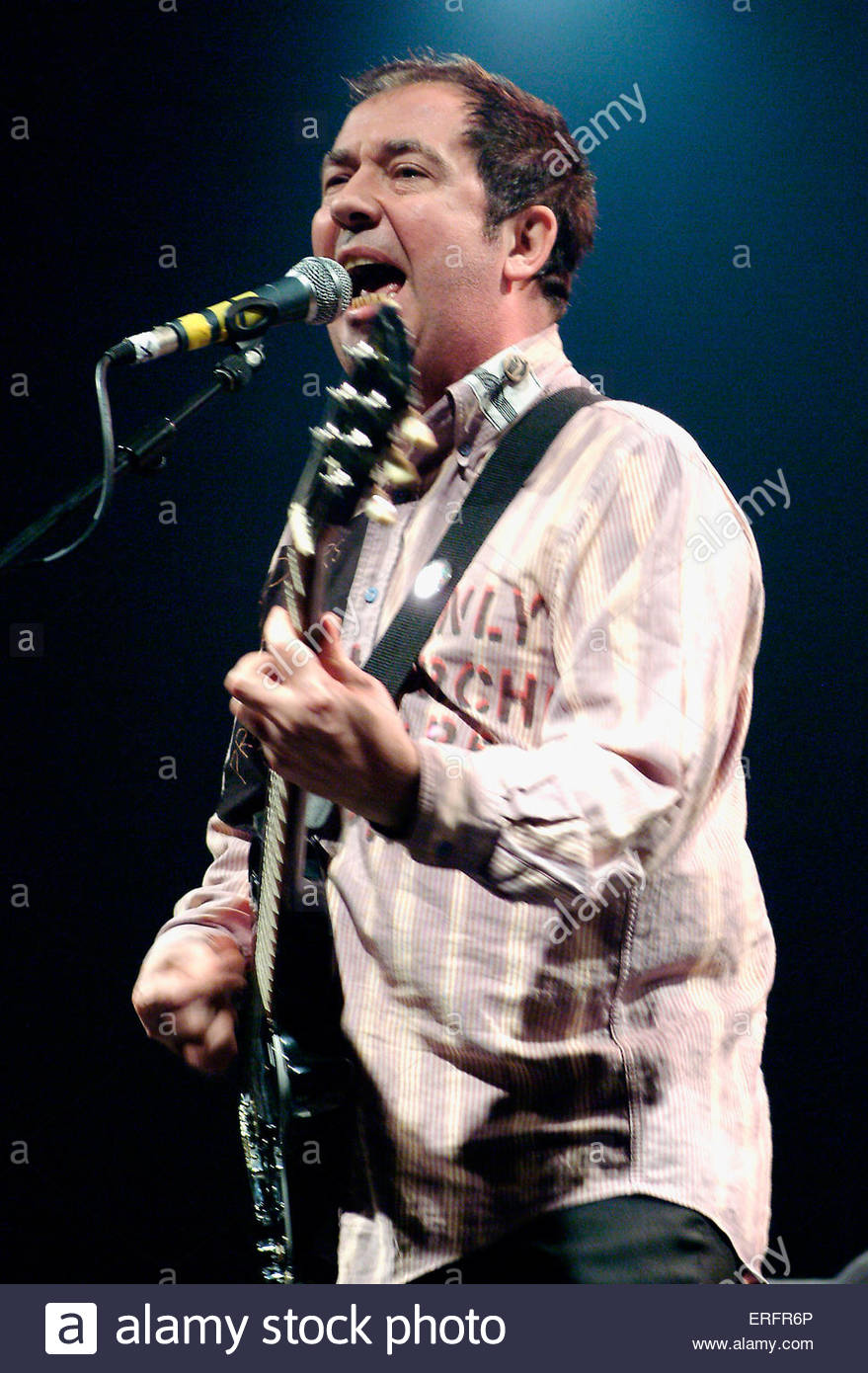Pete Shelly - of The Buzzcocks performing in Bristol, March 2006. - Stock Image