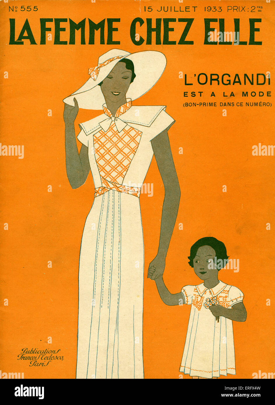 Cover of La Femme Chez Elle - mother and little girl, July 1933.  (Artist B. Baucour?) 'L'Organdi'. - Stock Image