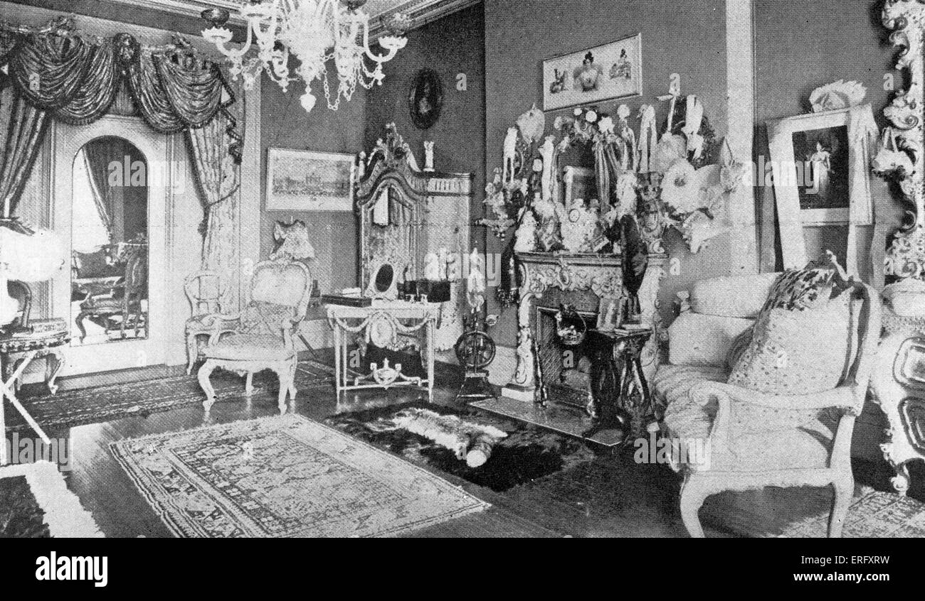 Luxurious interior from the 1890s. Caption reads: 'A sitting room in a Fifth Avenue mansion in the nineties'. - Stock Image