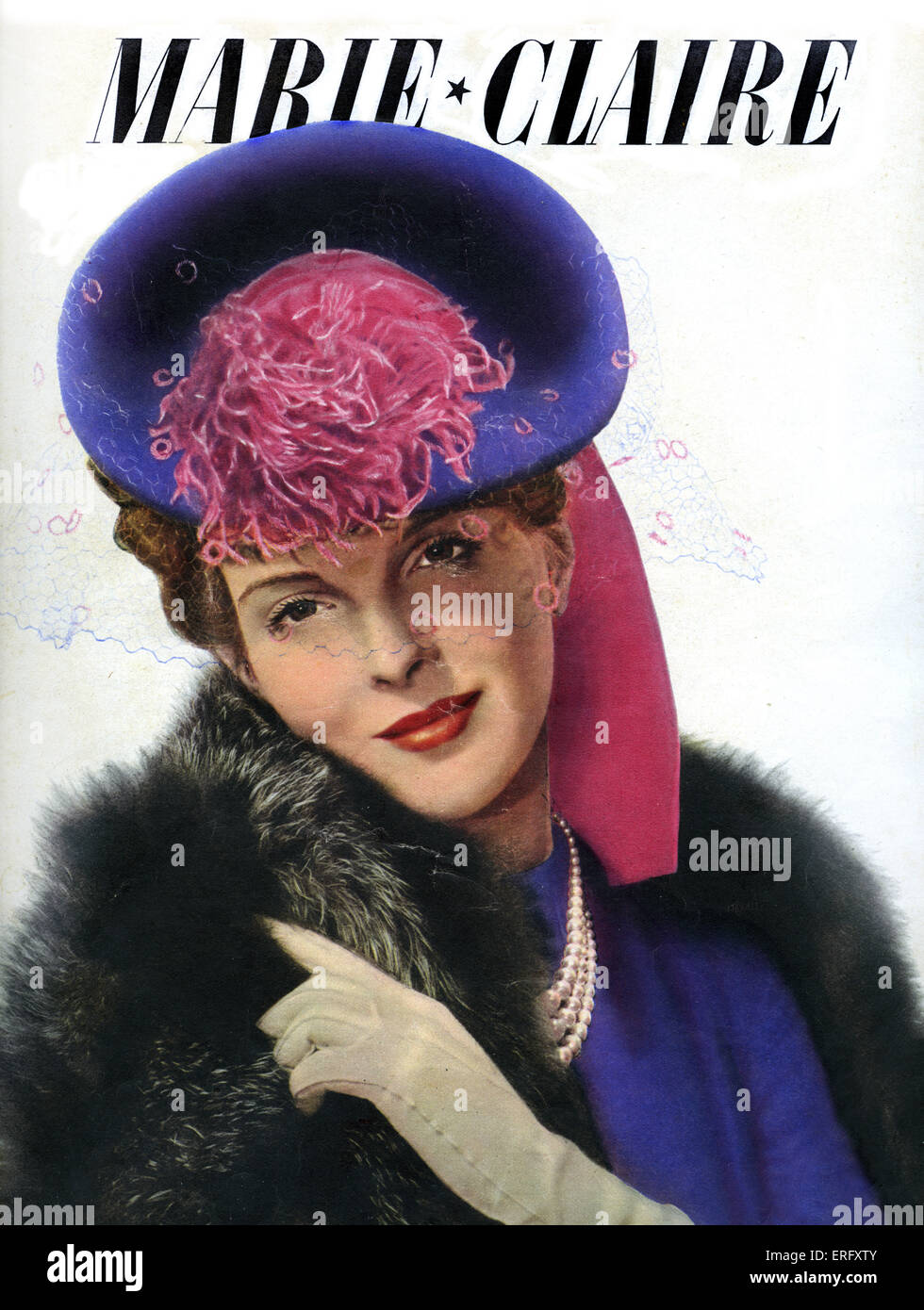 Marie Claire, women's magazine  - 23 September 1938. Hat designed by Suzanne Talbot, photo by Saad. - Stock Image