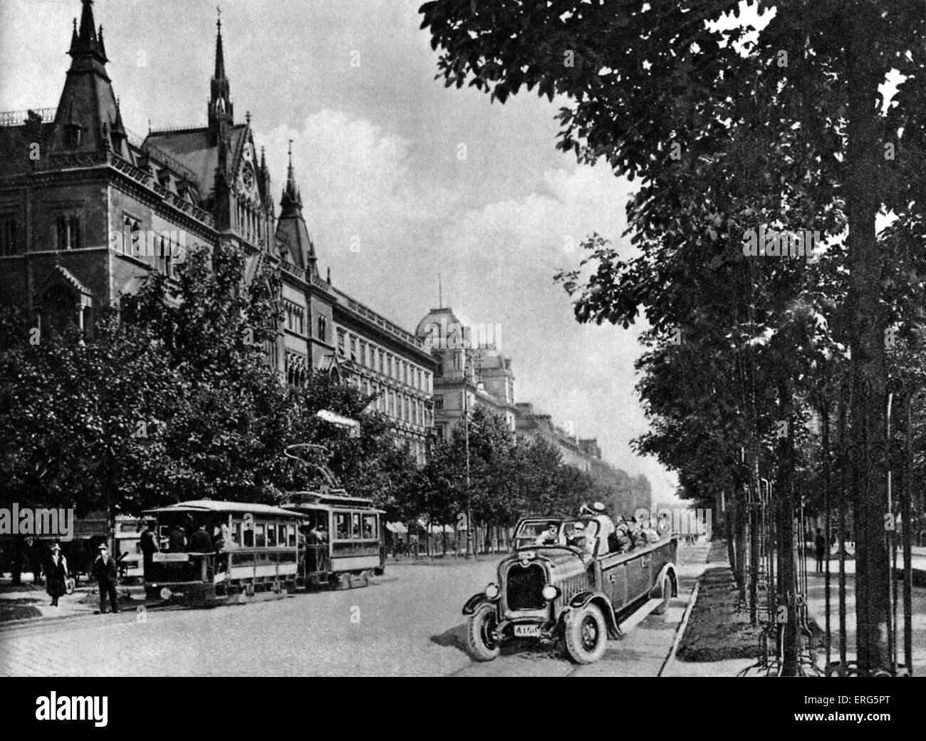 Sühnhaus on the Schottenring, Vienna, Austria, 1920s. Street scene.  Between 1874 and 1881, building housed - Stock Image
