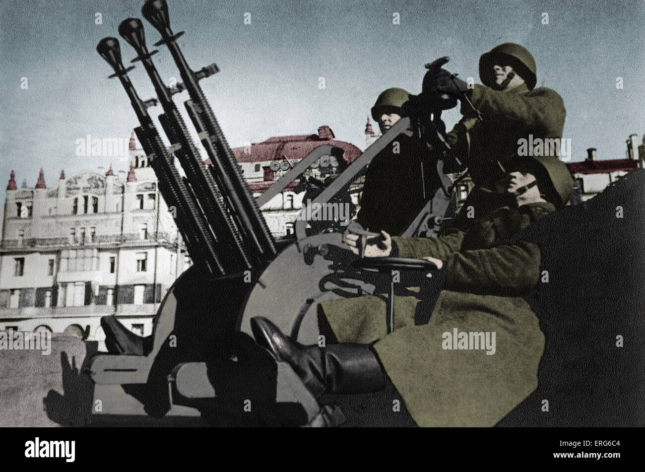 Anti-aircraft station in the centre of Moscow 1941 - during World War II Prokofiev Shostakovich background.  Schostakowitsch - Stock Image