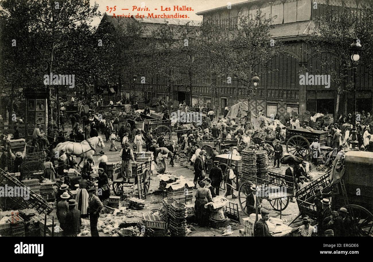Les Halles, Paris, c. 1900. Arrival area for goods.  ('Arrivé des Marchandises).  Traditional central market - Stock Image