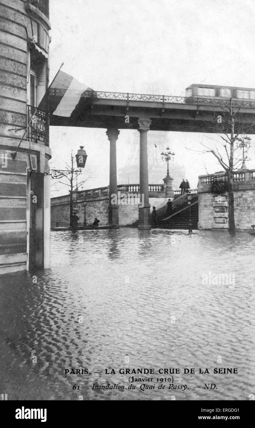 great flood of paris 1910 flooding at quai de passy 1910 stock